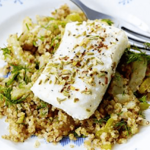 Pavé de cabillaud grillé, salade de quinoa et fenouil croquant